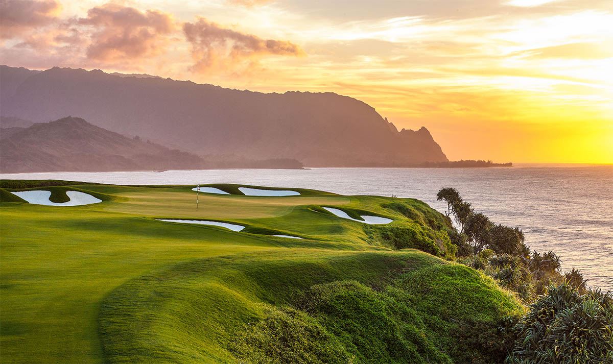 One of the best golf courses in Hawaii at sunset
